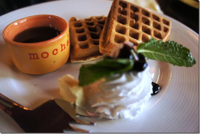 waffles at mocha mojo