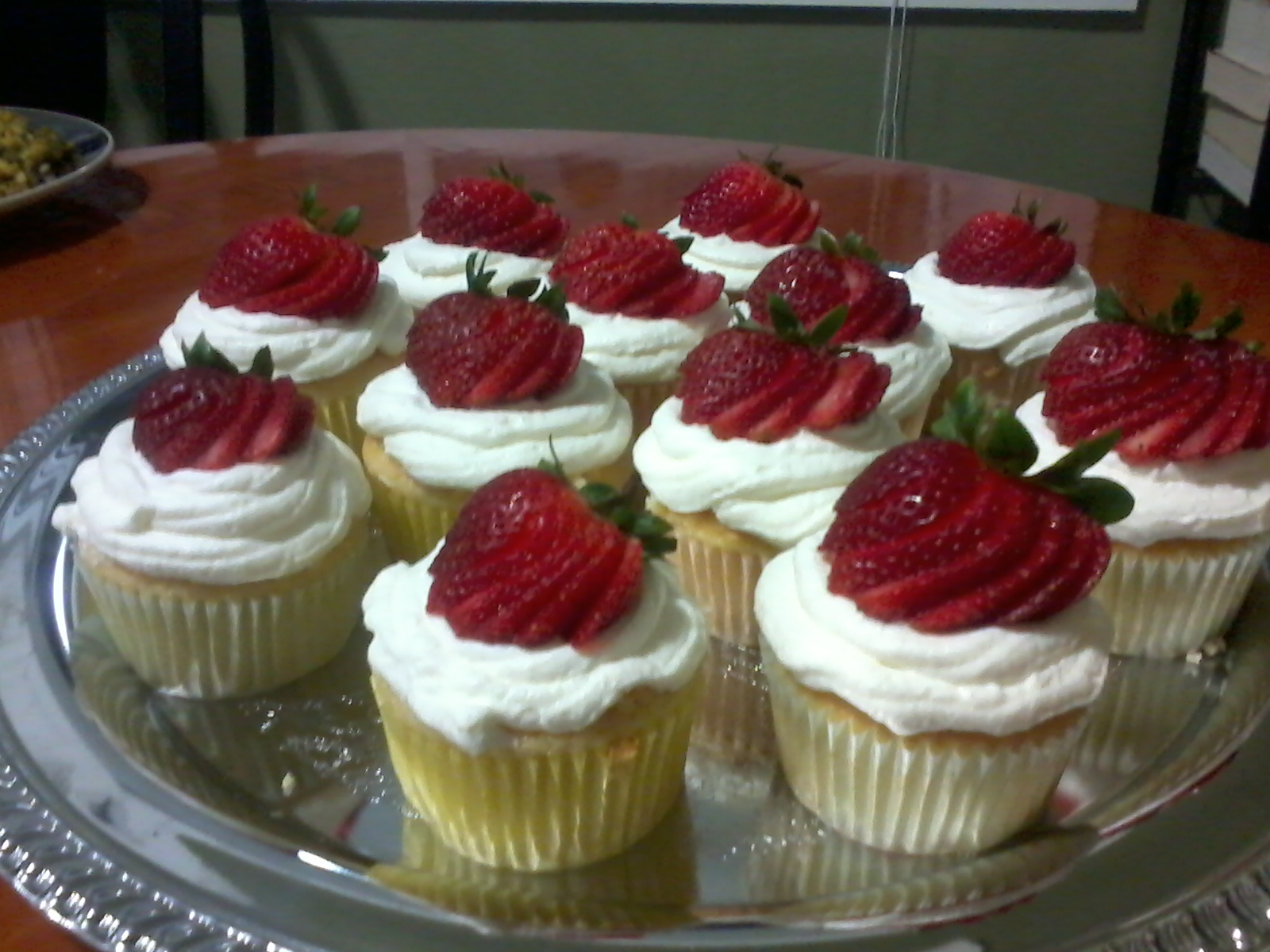 Always Be Baking: Strawberry banana cupcakes