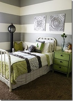green and gray quilt