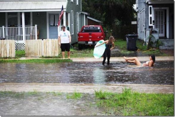 happy-flood-people-29