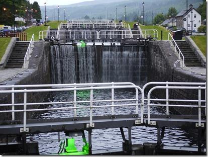 MH Loch Ness 9.30pm 004