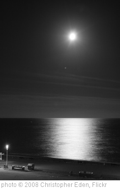 'Moon from my room 2' photo (c) 2008, Christopher Eden - license: http://creativecommons.org/licenses/by/2.0/
