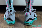 nike basketball elite lebron socks southbeach 1 03 Matching Nike Basketball Elite Socks for LeBron 9 Miami Vice