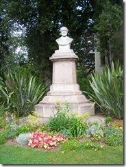 2012.09.03-001 statue d'Emmanuel Liais