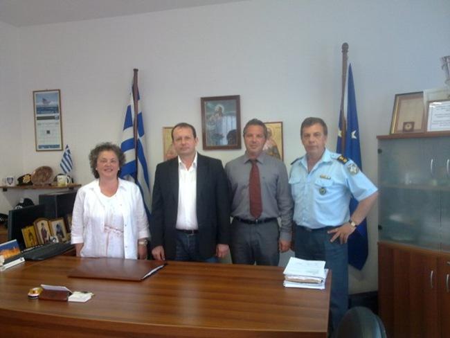 Το αστυνομικό τμήμα Αργοστολίου επισκέφτηκε ο ΣΥΡΙΖΑ