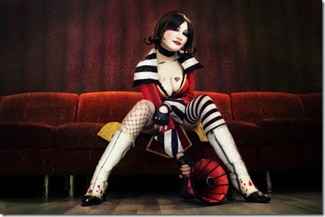 mad-moxxi-cosplay-001