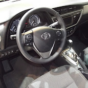 2013-Toyota-Auris-3.jpg