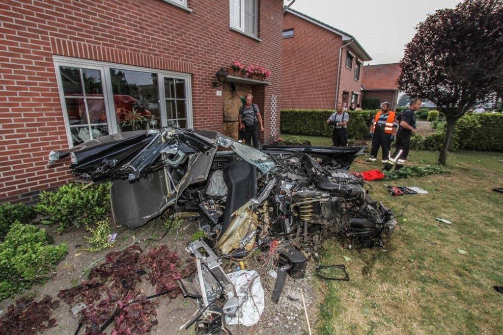 Audi-S8-Accident-11%25255B2%25255D.jpg