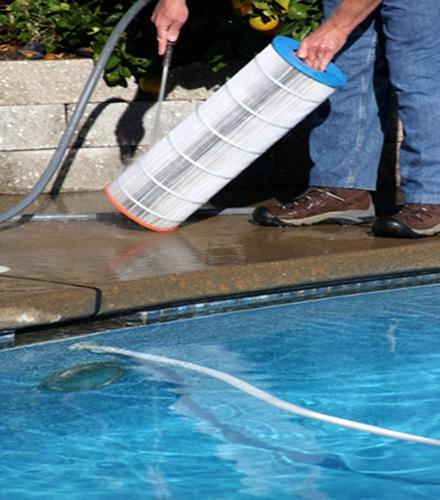 Manutenci n y limpieza de piscinas arquitexs for Limpieza de piscinas