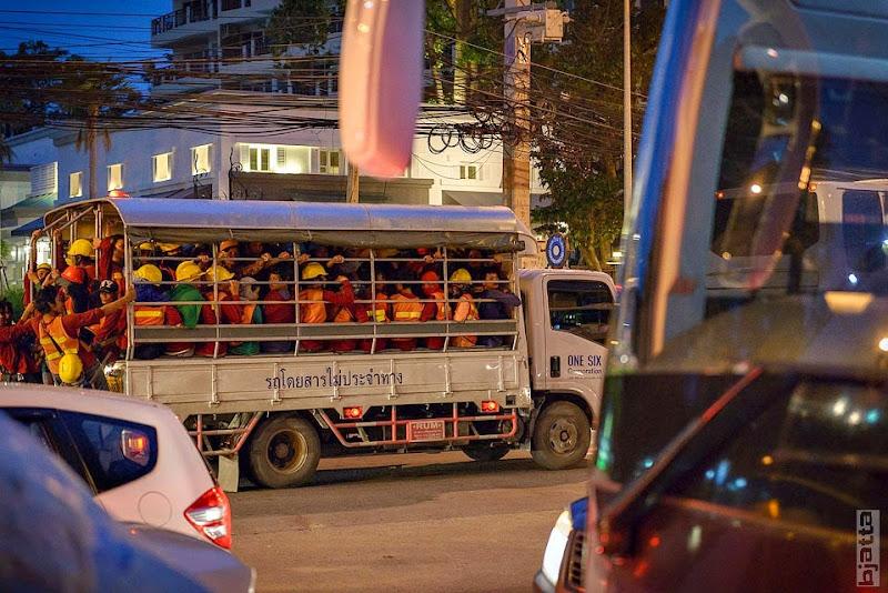 2557_Thailand_Pattaya_Jomtien_transport_tuk_tuk_tuck_tuck_taxi-55