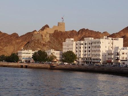 15. Corniche in Mutrah.JPG