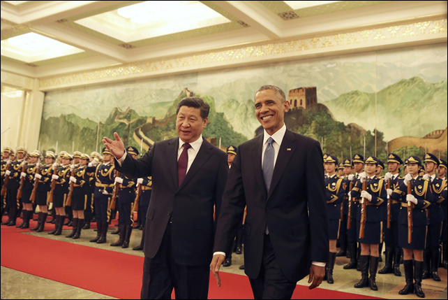 U.S. President Barack Obama and Chinese President Xi Jinping at a joint press conference on 11 November 2014 announcing a groundbreaking deal to reduce carbon emissions and tackle the growing crisis of global climate change. Photo: MSNBC