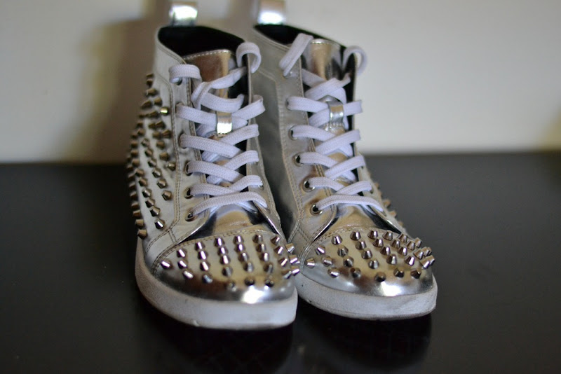 C&A, C&A shoes, studded sneakers, sneakers, silver, shoes, C&A studded sneakers, studs,