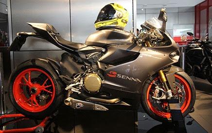 Ducati-1199-Panigale-S-Senna - Primeira-Unidade-é-Entregue-a-Família-de-Senna