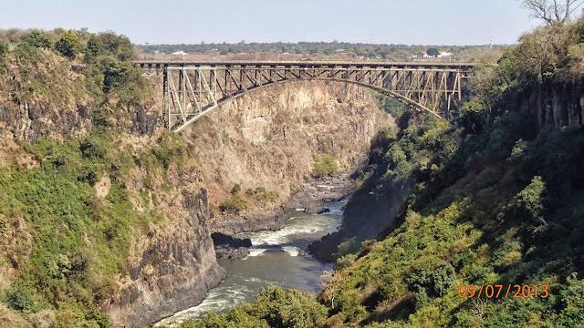 Victoria Falls ZA 016.JPG