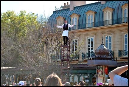 12 - France - Street Performer