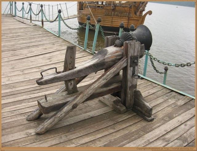 Сказочные персонажи Китовой пристани.Озеро Зюраткуль.