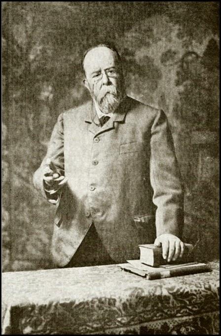 Teodoro LLorente
