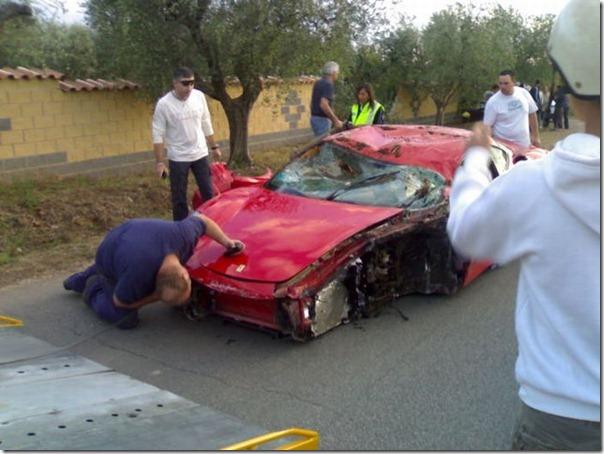 Uma Ferrari F430 destruida (8)