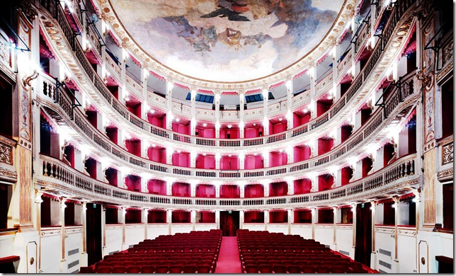Candida Höfer - Teatro Mercadante