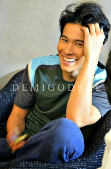 Bench The Naked Truth backstage Enchong Dee
