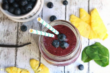 Blueberry Pineapple Green Smoothie 2.jpg