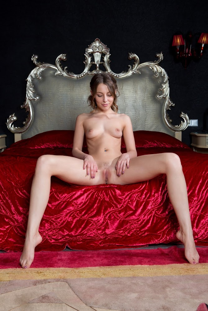 1540266589_nikia-a [Met-Art] Nikia A - Royalty