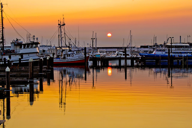 March/April 2013 - 1st Place / Squalicum Harbor Sunset / Credit: Nicholas Valich