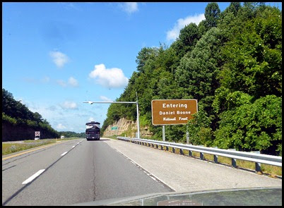04b - I-64W through Kentucky - entering Daniel Boone NF
