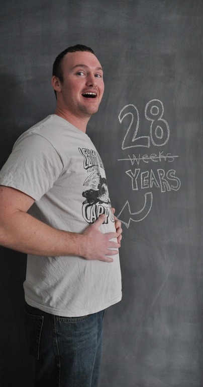 chalkboard wall maternity photo
