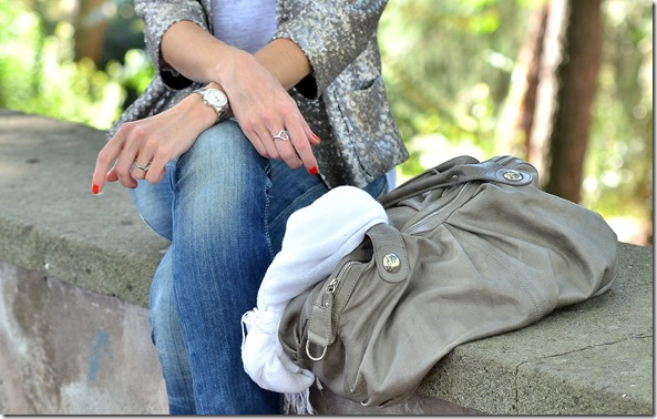 4_giacca paillettes-collana etnica