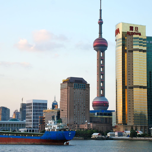 Shanghai South Bund - Pearl tower, péniche et immeuble