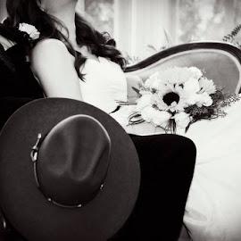 http://fotohatch.smugmug.com/Photography/Favorites/24485100_N6RHhC#!i=2867596138&k=f3TTQHp&lb=1&s=A by Rachel Hackett - Wedding Other