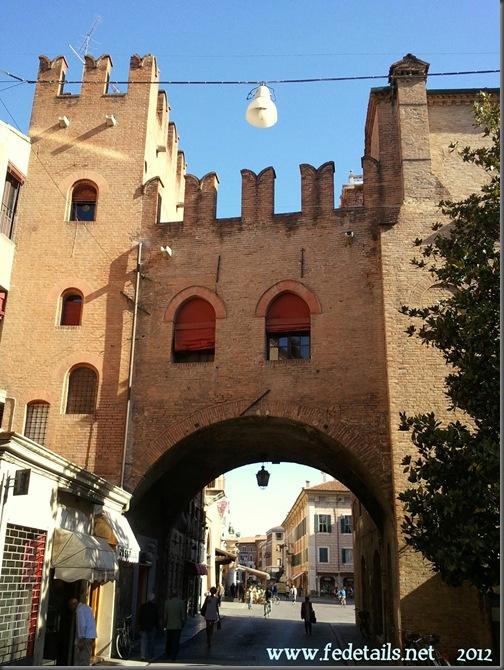 Volto di Corso Porta Reno, Ferrara, Emiliaromagna, Italia - Arch of Corso Porta Reno, Ferrara, Emiliaromagna, Italy - Property and Copiright of www.fedetails.net