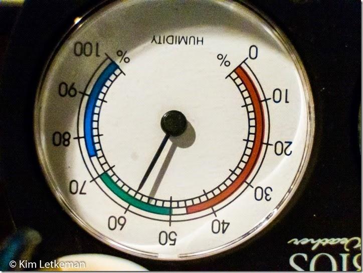 DSCF0013_FinePix S1_215 mm_ISO 6400_1-20 sec at f - 5.6