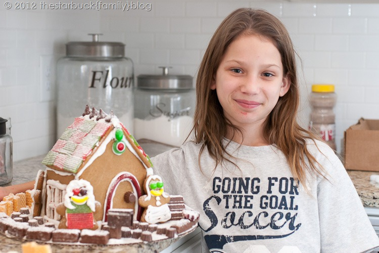 Gingerbread Houses 2012 blog-30