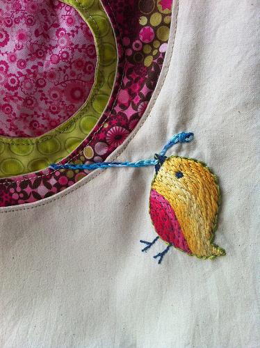Birdie pulling worm