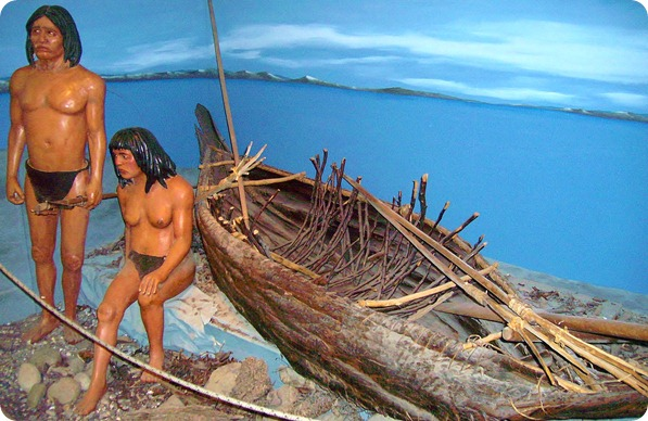 Yámanas e sua canoa