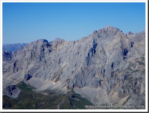 Jito Escarandi - Jierru 2424m - Lechugales 2444m - Grajal de Arriba y de Abajo (Picos de Europa) 0089
