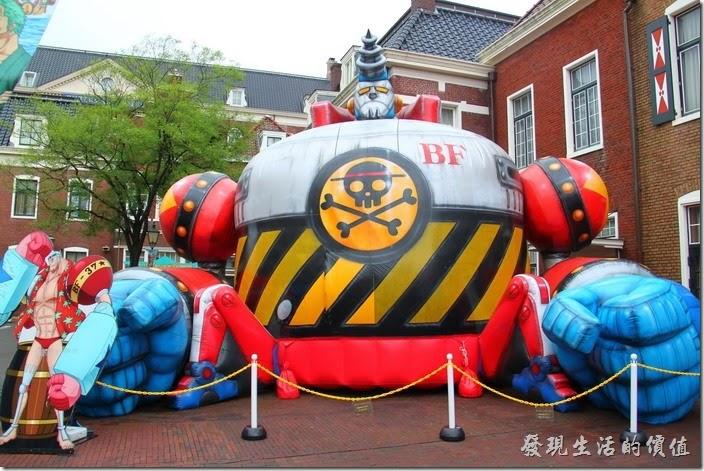 日本北九州-豪斯登堡(千陽號)。這來還有個大型的佛朗基機器人造型的充氣氣球,超威武的。