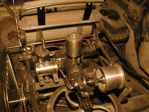 1886 benz motorwagen detailed