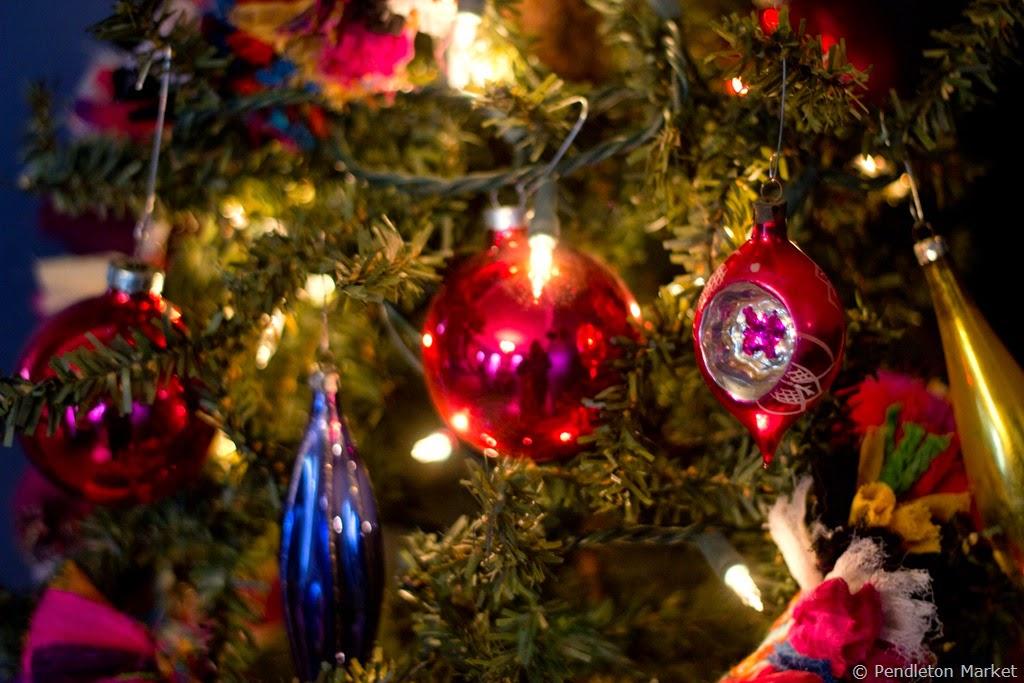 [Christmas2014_DiningRoom-7%255B6%255D.jpg]
