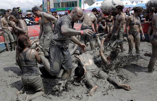 boryeong-mud-fest-2011-19