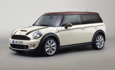 Mini-Cooper-S-Clubman-Hyde-Park-placement