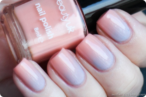 Frischlackiertchallenge Gradient Pastel Essie Rock The Boat  Beauty UK (2 von 5)