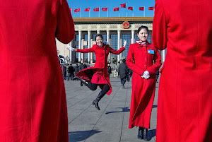 """两会代表""""吹走""""雾霾,高级民主在中国"""