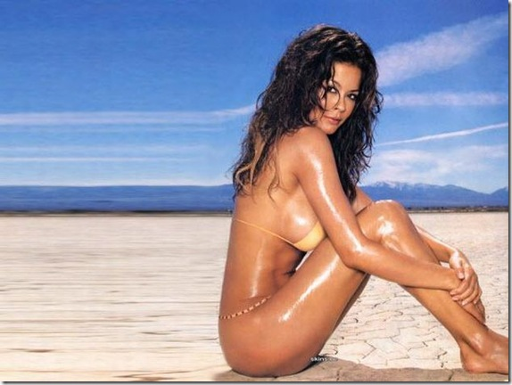 Brooke-Burke-topless-4