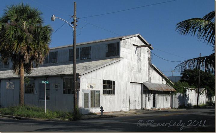 07-31-tin-building