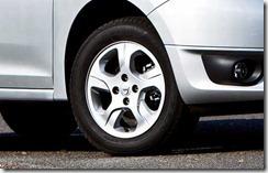 Dacia Logan en Sandero II in detail 03