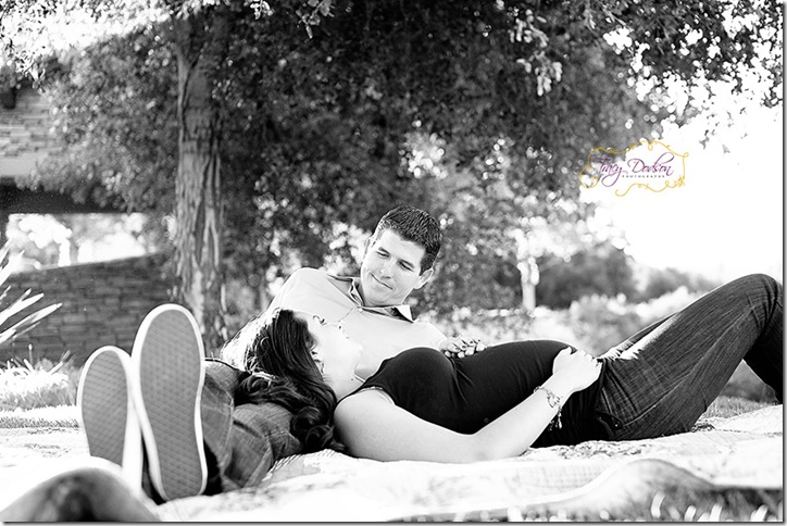 Pat & Eleni Maternity   205j bw